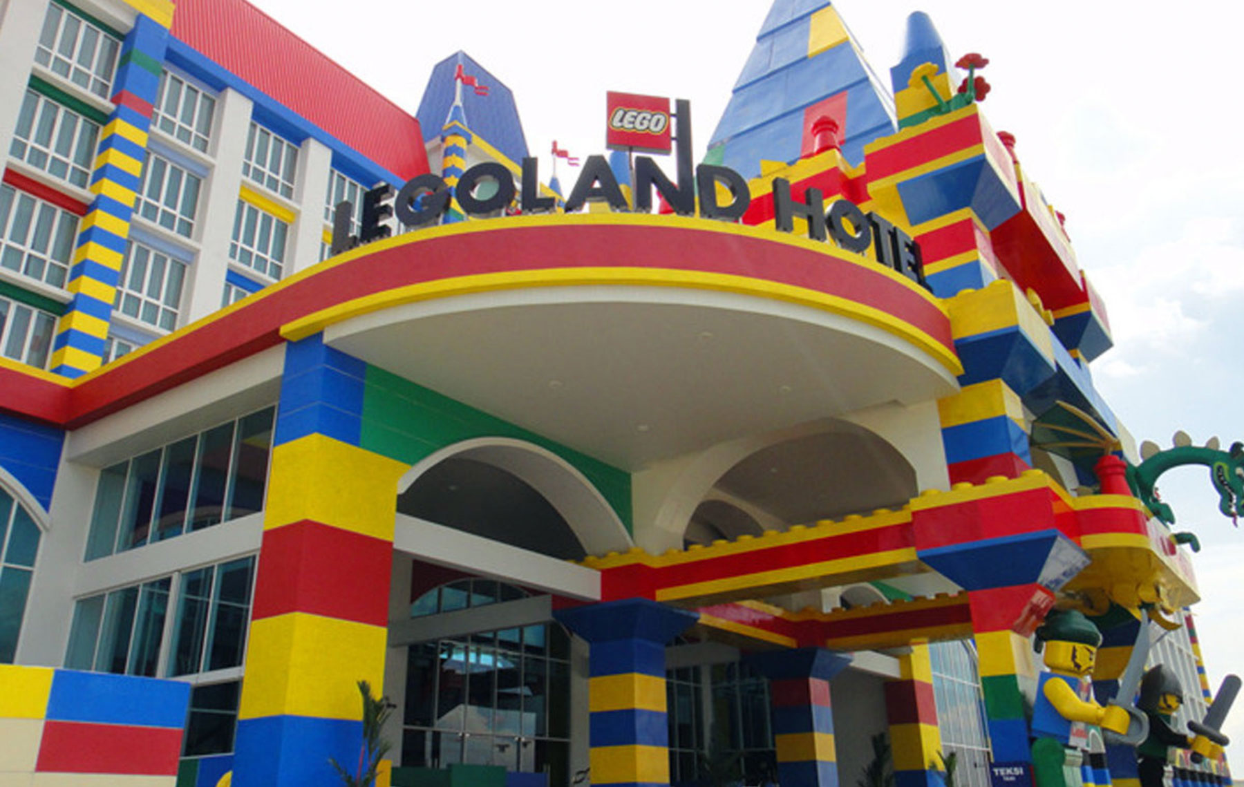 Legoland Malaysia Resort - AllzoneLimo